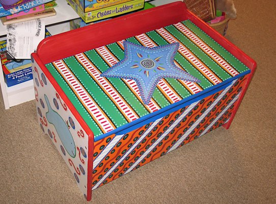Toy box by Andrea Drugay